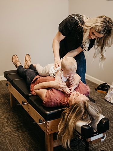 lauren-adjusting-mimi-with-mom